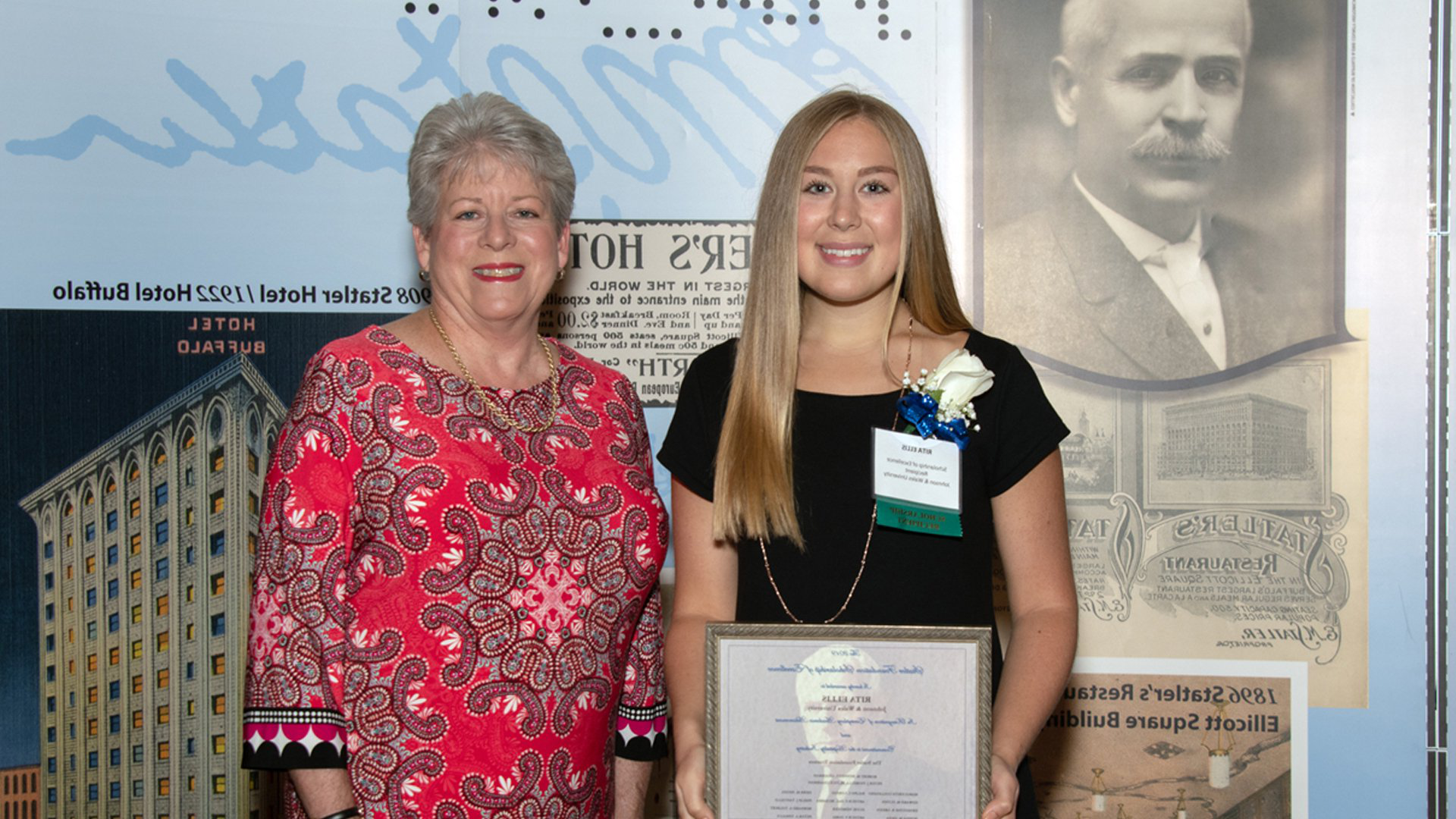 Rita Ellis accepting the Statler Foundation Scholarship of Excellence, with Associate Professor Leslie Kosky