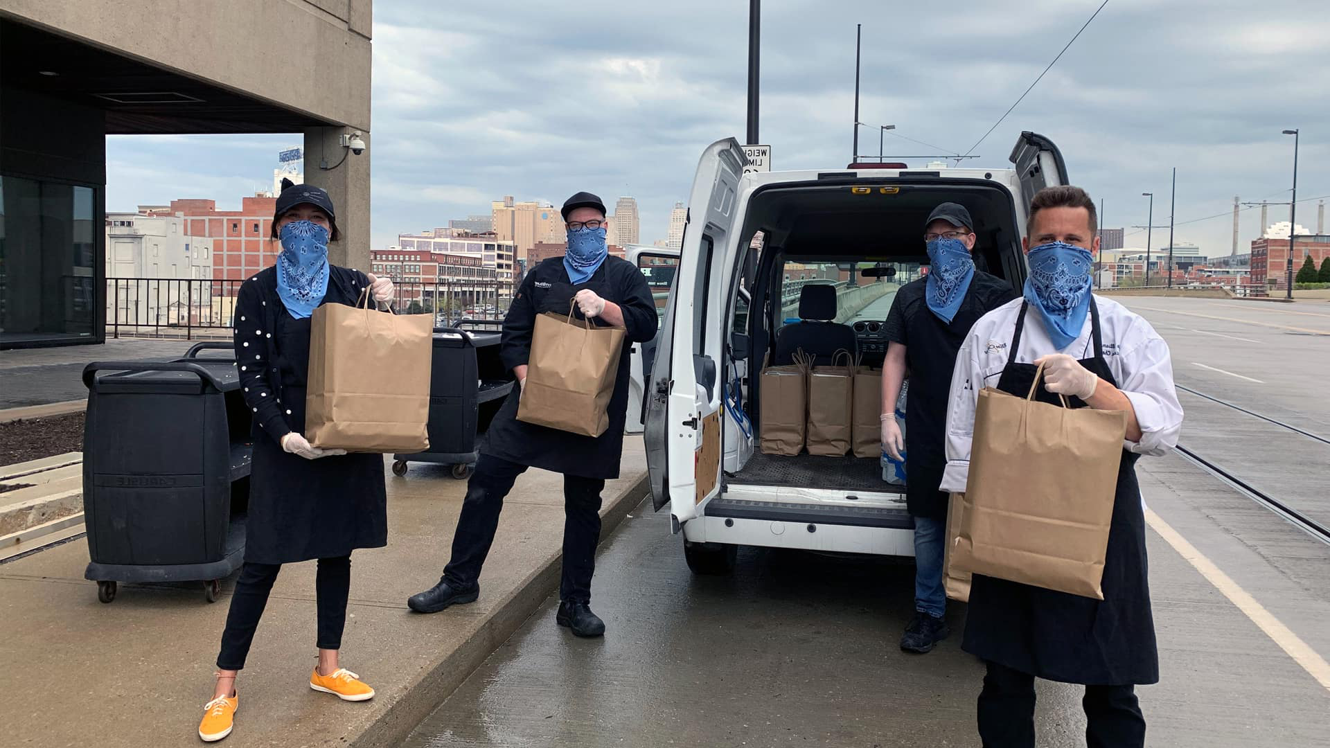 Chef Kyle Williams '06 and his Live Blue Cafe team delivering food to Kansas City.